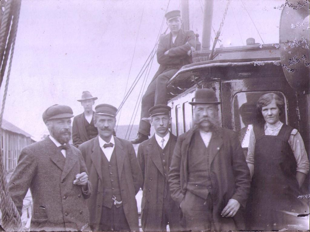 Mannen längst till vänster är David Öhlund.