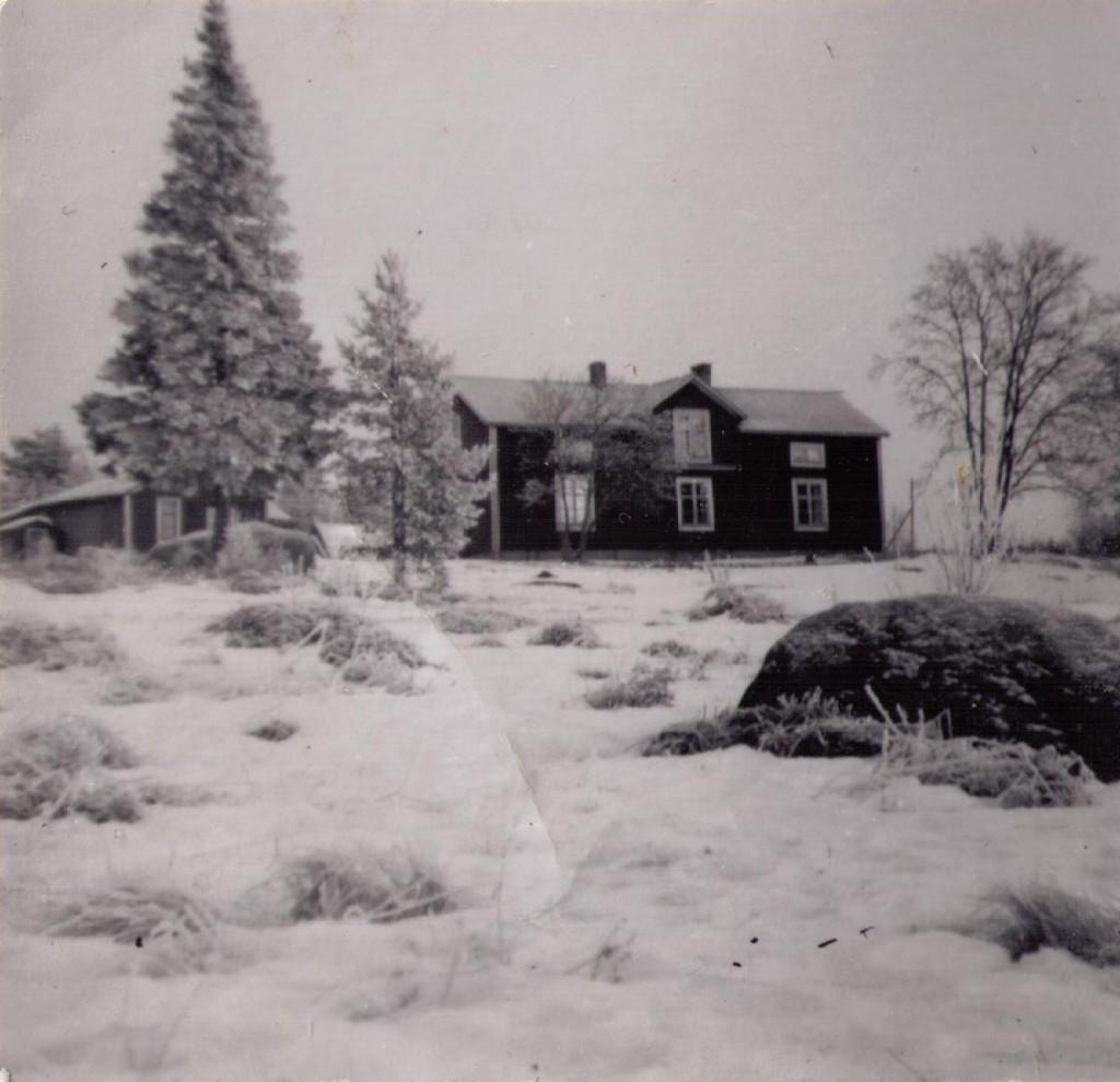 Nybruket i vinterskrud ca 1930.